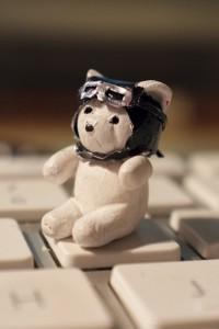La figurine en version intermédiaire, sur une touche de clavier.